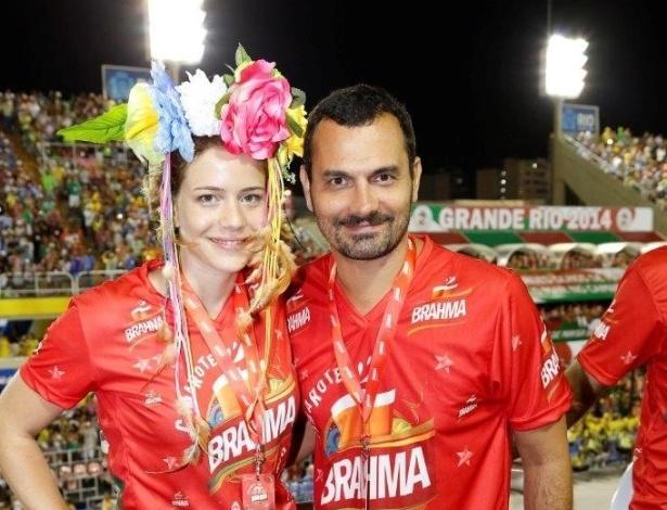 """2.mar.2014 - """"Estou particularmente feliz com esse desfile, a Mangueira está falando das festas populares e eu venho como destaque de chão da ala que homenageia o Bola Preta, tudo a ver comigo"""", afirmou Leandra Leal"""