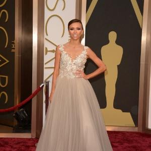 0f8fa734a4 Famosas com vestidos de gala - Notícias - BOL