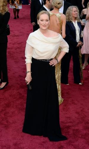 """2.mar.2014 - Indicada ao prêmio de Melhor Atriz por sua atuação em """"Álbum de Família"""", Meryl Streep chega ao Dolby Theatre"""