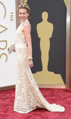 2.mar.2014 - Portia de Rossi é fotografada ao chegar à cerimônia do Oscar 2014