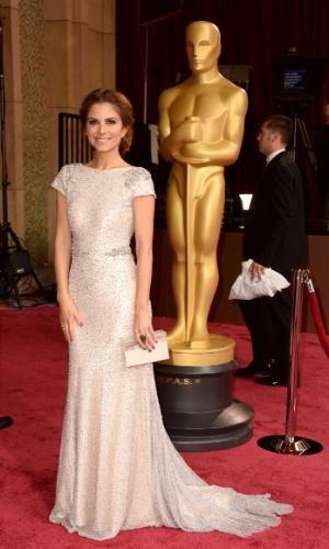 (2.mar.2014) Maria Menounos chega à 86ª cerimônia do Oscar