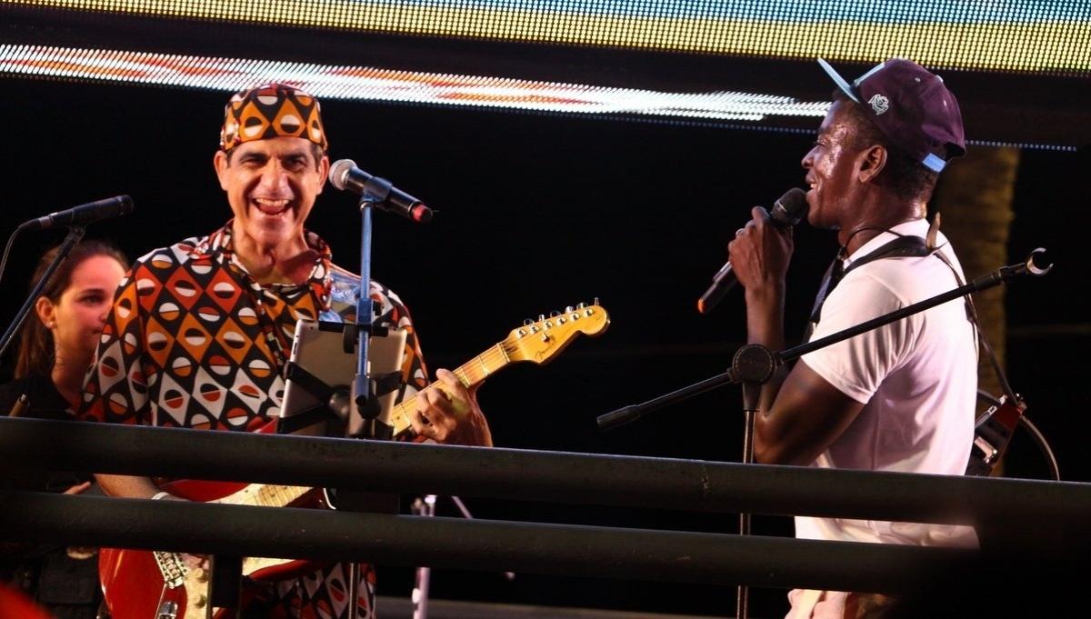 Durval Lelys anuncia carreira solo e pausa por tempo indeterminado do Asa -  14 04 2014 - UOL Entretenimento e90984900b9ea