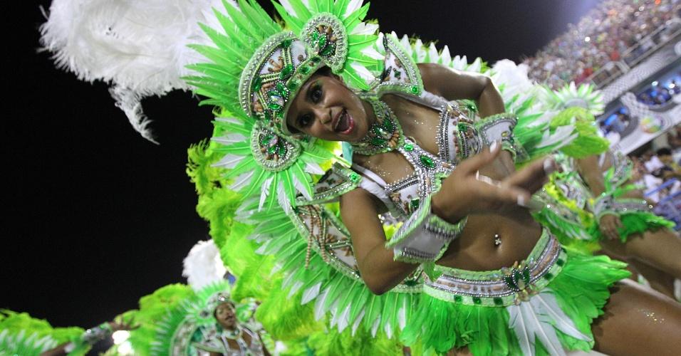 2.mar.2014 - Império da Tijuca, campeã do Grupo de Acesso do Grupo de Acesso no Carnaval 2013, desfila no primeiro dia do Grupo Especial no Rio