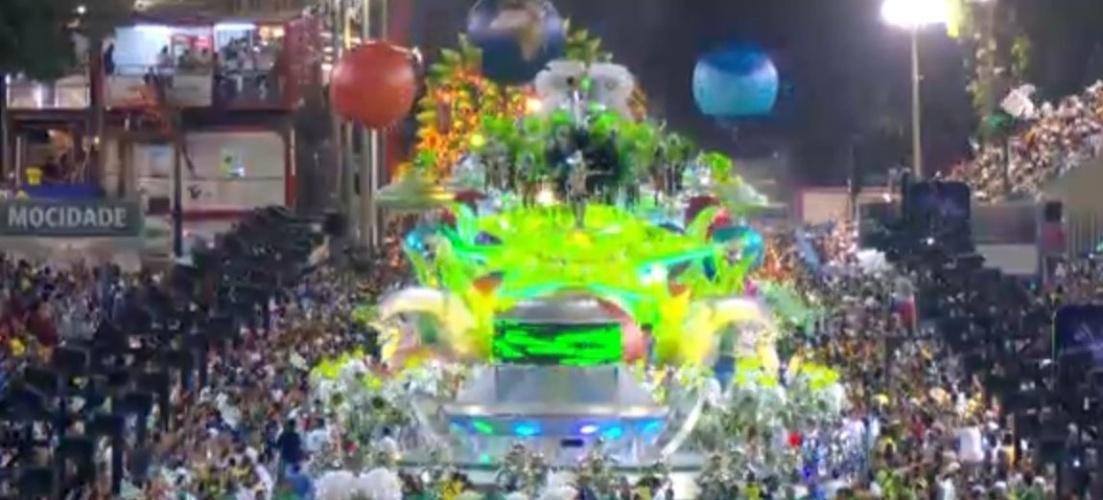 3.mai.2014 - O carro abre-alas da Mocidade Independente de Padre Miguel