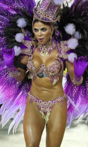 3.mar.2014 - A destaque de chão Michele Alves defende a União da Ilha do Governador na Sapucaí