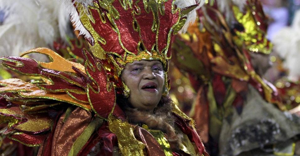 3.mar.2014 - Alegria da Salgueiro e seus componentes no Carnaval do Rio de Janeiro