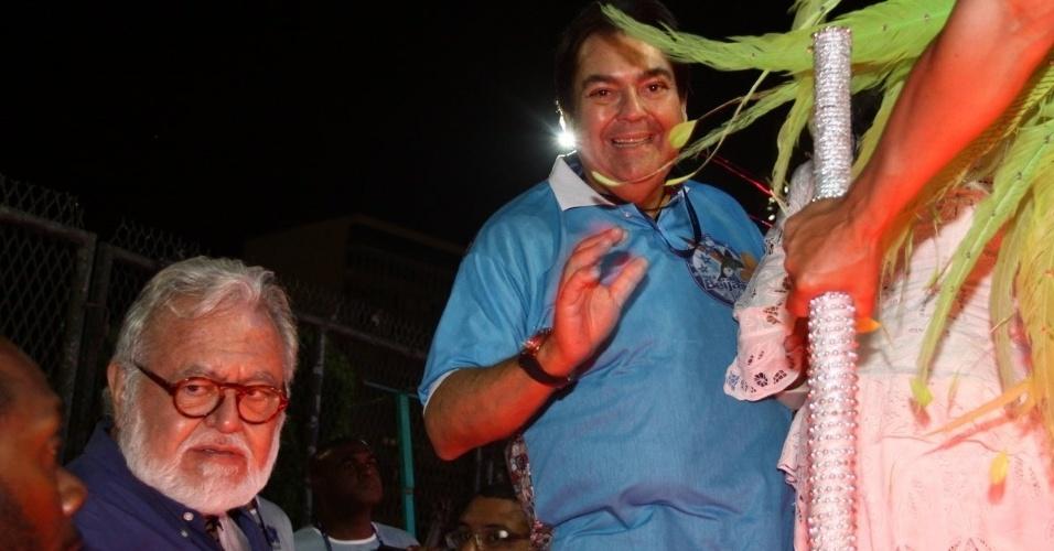 3.mar.2014 - Faustão se prepara para desfilar pela Beija-Flor, que homenageia Boni