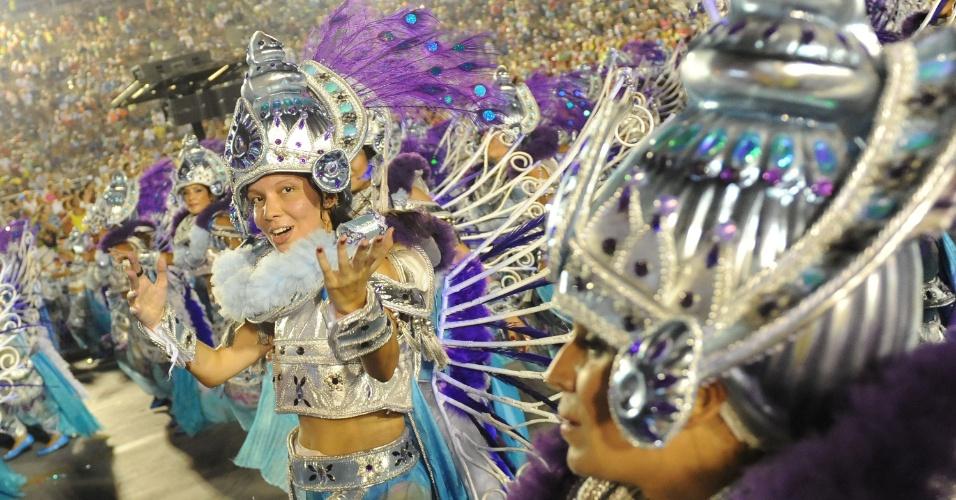 3.mar.2014 - Os carnavalescos Renato e Márcia Lage da Salgueiro fizeram enredo que fala sobre a criação do mundo