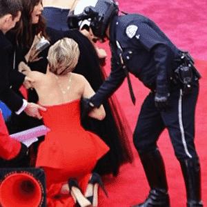 O (quase) tombo de Jennifer Lawrence - Reprodução