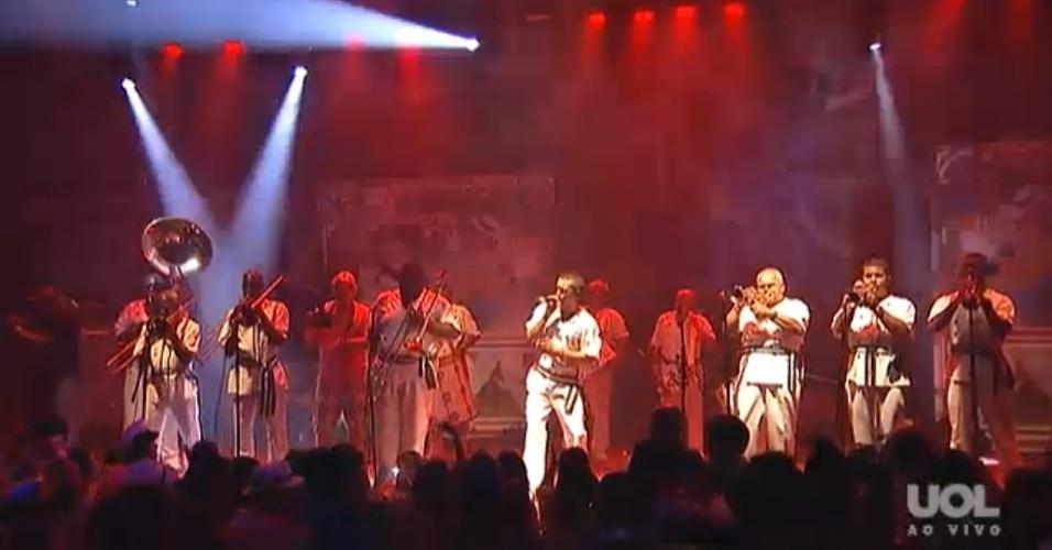Cordão Bola Preta toca ao vivo no CarnaUOL