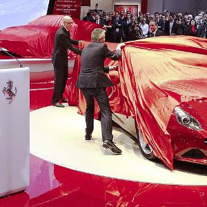 Ferrari California T Salão de Genebra - Arnd Wiegmann/Reuters