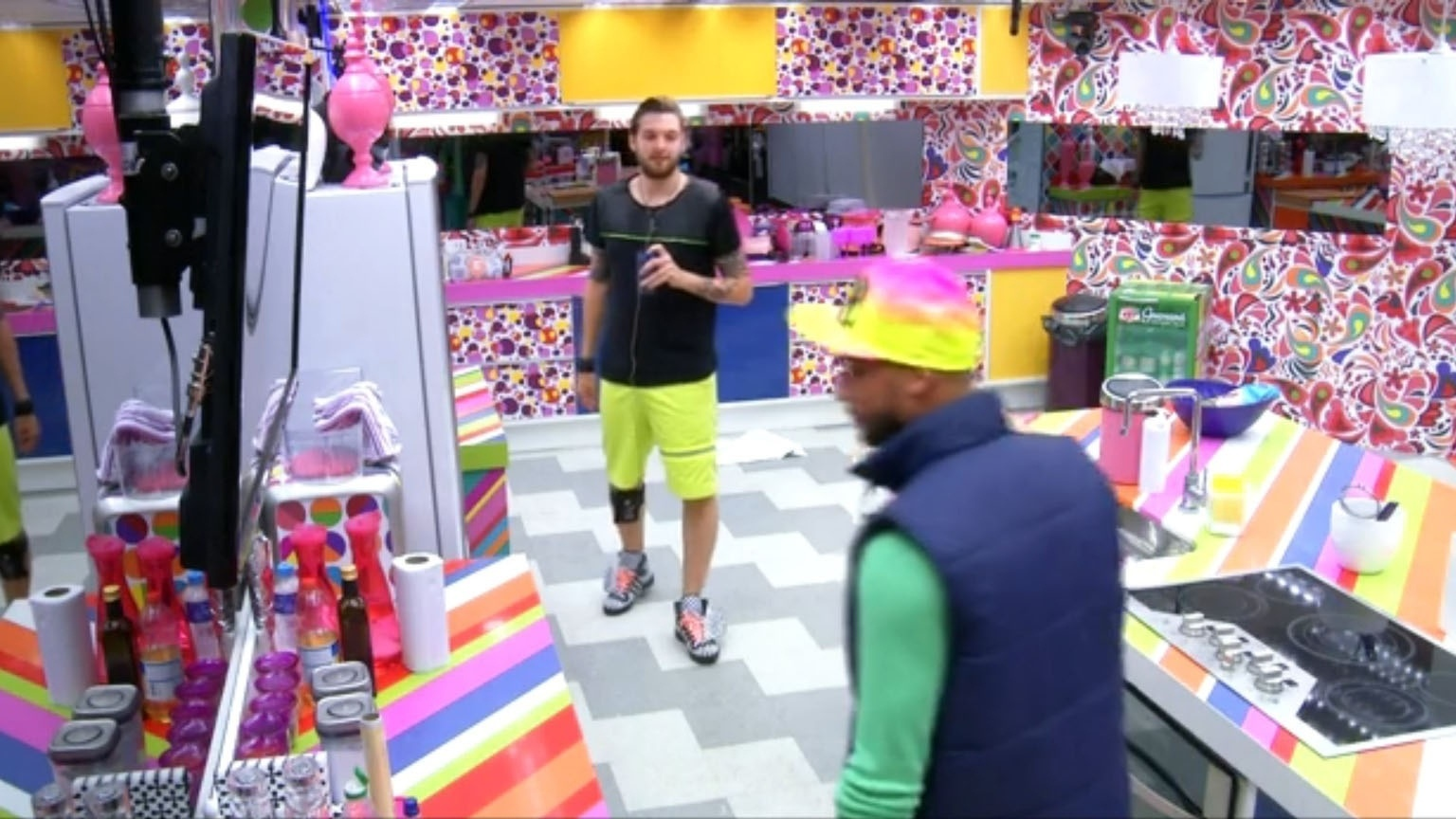 05.mar.2014 - Em conversa com Valter, Cássio diz que Diego está o tempo tentando querendo humilhá-lo