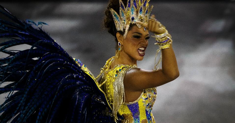 3.mar.2014 - Juliana Alves desfila pela Unidos da Tijuca desfila no sambódromo na segunda noite do Grupo Especial
