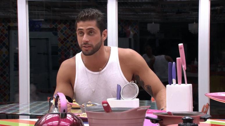5.mar.2014 - Marcelo repreende Vanessa por ter votado em Angela