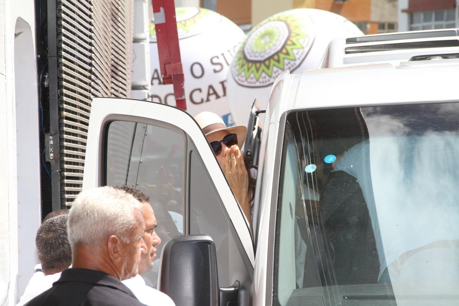 5.mar.2014 - Ivete Sangalo chega para o