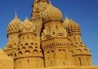 Muito além do castelinho: veja esculturas incríveis de areia pelo mundo