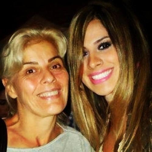 """Vanessa define sua mãe, Solange Mesquita: """"Minha rainha"""""""