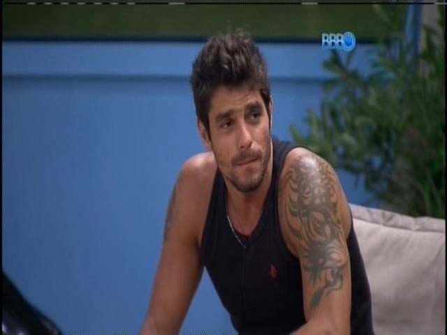 6.mar.2014 - Diego conversa com Angela sobre a prova do líder