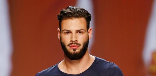 """BBC - Britânicos e americanos fazem implante facial por barba """"hipster"""" - Getty Images"""