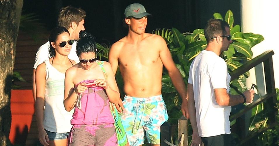 2.mar.2014 - Rafael Nadal e aproveita o calor de Cozumel ao lado da namorada e de amigos, após a viagem ao Brasil