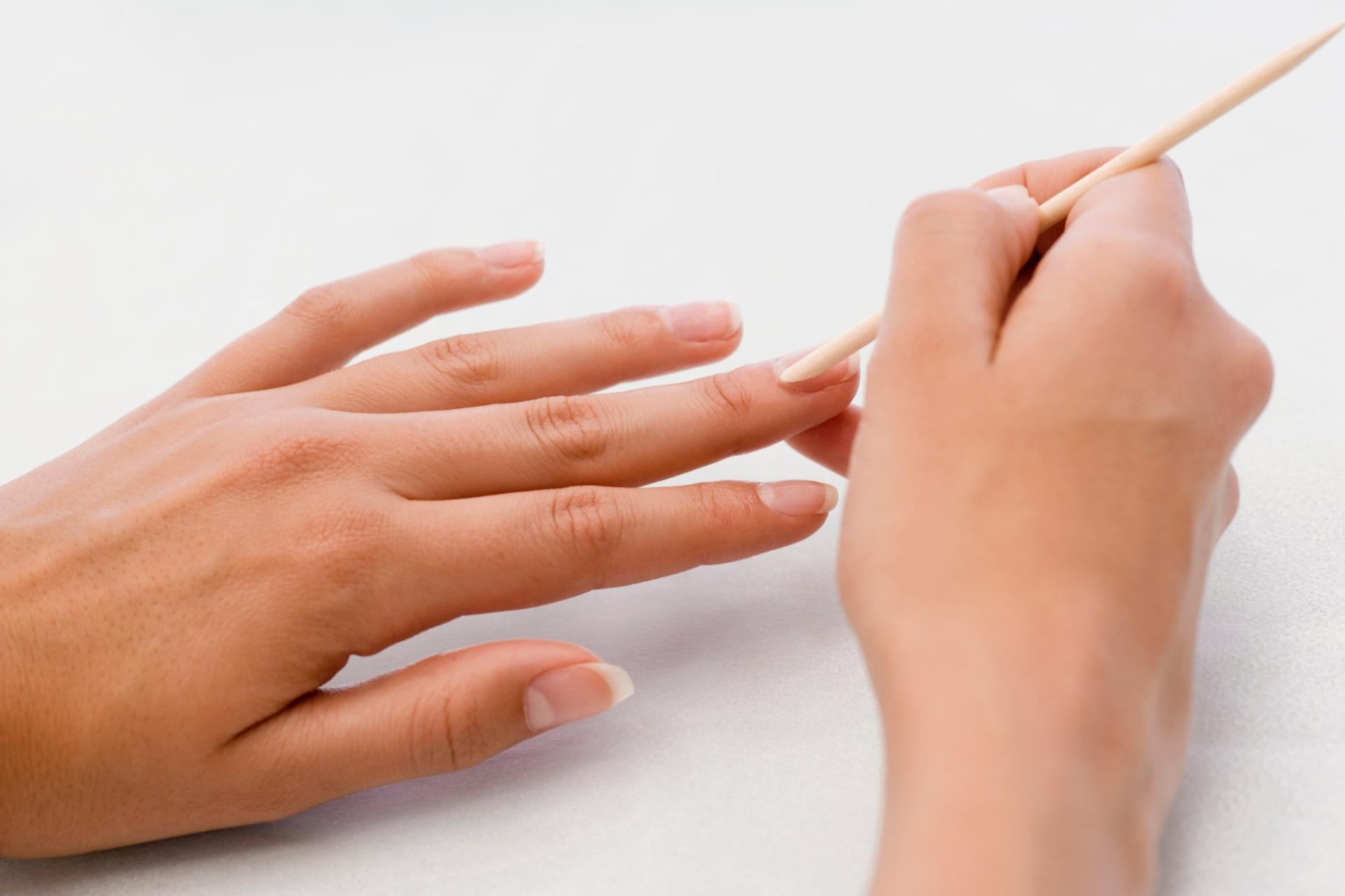 985dec3954 Não cortar cutículas é hábito saudável e facilita manutenção das unhas -  10 03 2014 - UOL Universa