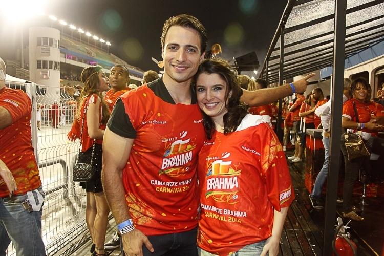 7.mar.2014 - Os atores Ana Saab e Lorenzo Martin