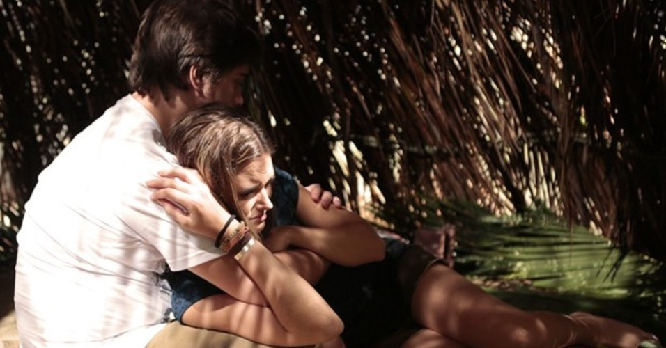 8.mar.2014 - Lili chora e confesa que está atraída por William