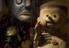Bonecos da companhia Giramundo contam histórias clássicas