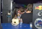 Thor Batista troca beijos e amassos na Sapucaí - Ag.News