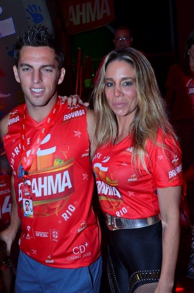 8.mar.2014 - Danielle Winits e o namorado, o jogador Amauri Nunes