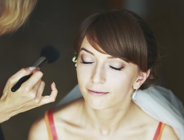 Maquiadoras garantem: é possível fazer com que a beleza da noiva resista ao calor e às lagrimas  - Thinkstock