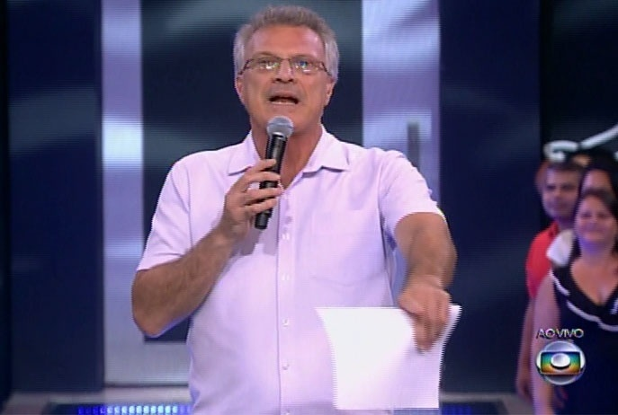 """11.mar.2014 - O apresentador Pedro Bial inicia a edição, que irá culminar com o décimo segundo eliminado do """"BBB14"""""""