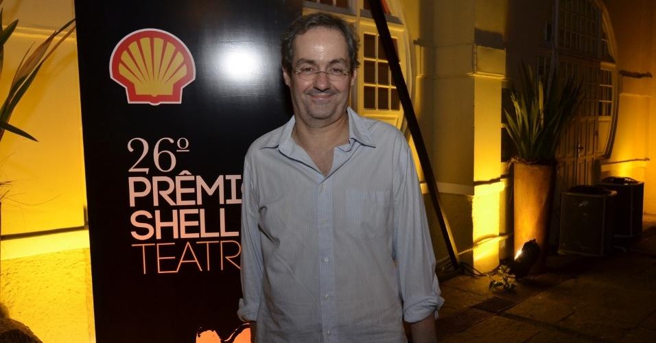 """11.mar.2014 - O ator Daniel Dantas marca presença na 26ª edição do """"Prêmio Shell de Teatro"""", no Espaço Tom Jobim, no Jardim Botânico, no Rio"""