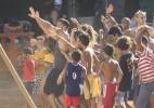 Ricky Martin grava clipe para Copa em comunidade do Rio - AgNews