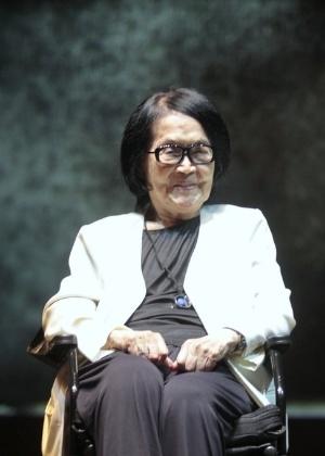 11.mar.2014 - A artista plástica Tomie Ohtake, que comemorou recentemente o centenário, foi uma das homenageadas do prêmio APCA  - Paduardo/AgNews
