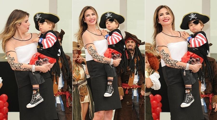 13.mar.2014 - Luciana Gimenez celebrou os três anos do filho, Lorenzo Gabriel, em uma casa de festas em São Paulo