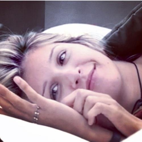 """13.mar.2014 - Roni se declara para Tatiele: """"Deixei a coisa mais importante pra mim na casa quando eu sai, não foi o rosário,foi você amor.E nada vai atrapalhar"""""""