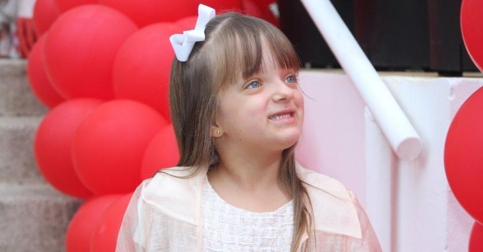 13.mar.2014- Rafaella Justus chega para a  festa de três anos de Lorenzo Gabriel, filho de Luciana Gimenez e Marcelo de Carvalho