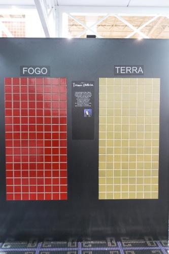 A série Tomie Ohtake foi um dos lançamentos da Cerâmica Atlas para a 12ª edição da Expo Revestir, de 11 a 14 de março de 2014, em São Paulo