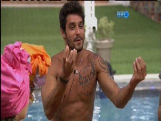 15.mar.2014 - Diego quis saber de Tatiele se no início do programa tinha chances com a miss