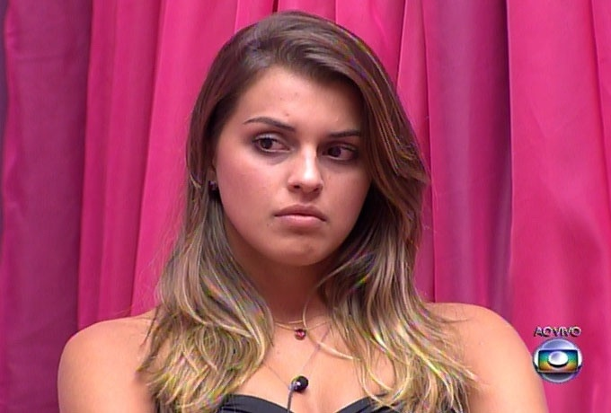 16.mar.2014 - Sobre o episódio, em que Cássio acusou Marcelo de abuso, Angela optou por não se manifestar