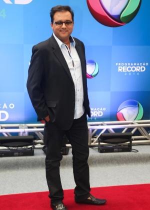 Geraldo Luís manda recado direto à dupla Zezé di Camargo e Luciano
