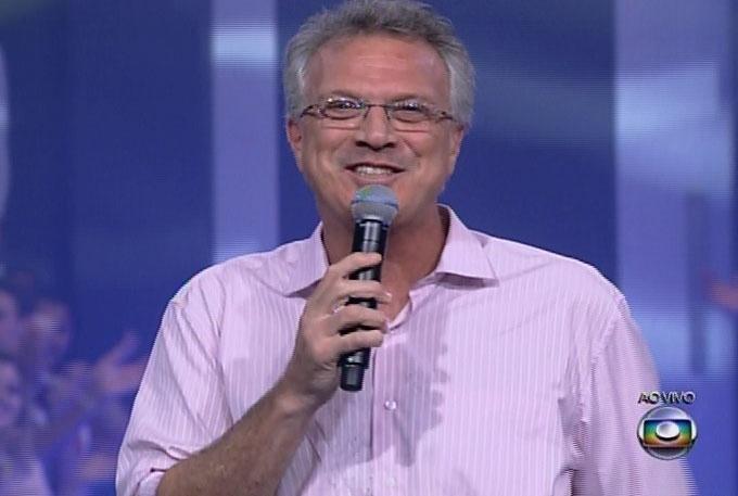 """18.mar.2014 - O apresentador Pedro Bial inicia a edição, que irá o décimo terceiro participante de """"Big Brother Brasil 14"""""""
