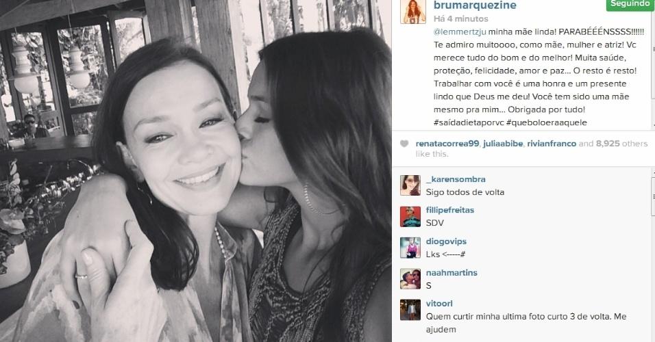 18.mar.2014- Bruna Marquezine parabeniza Julia Lemmertz com foto no Instagram
