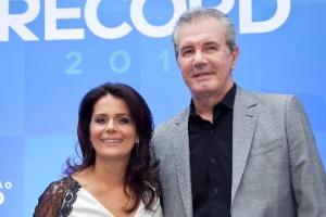 """Celso Freitas e Adriana Araújo apresentam o """"Jornal da Record"""""""