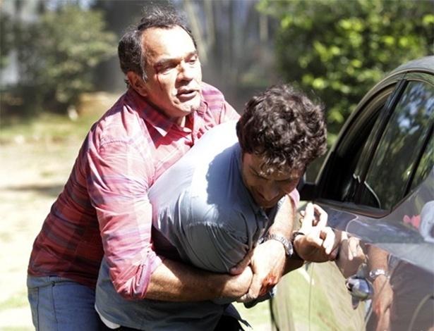 Após 20 anos, Virgílio e Laerte se reencontram e brigam novamente