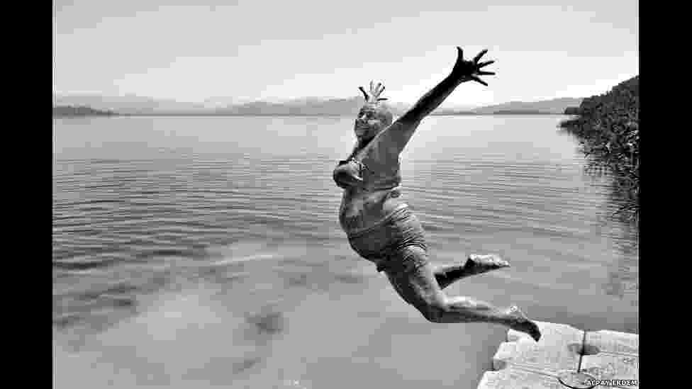 Os vencedores do prêmio de fotografia Sony World Photography Awards, nas categorias Aberta e Juventude, foram anunciados. Acima, a foto de Alpay Erdem, da Turquia, vencedor na categoria Sorriso - Divulgação/2014 Sony World Photography Awards