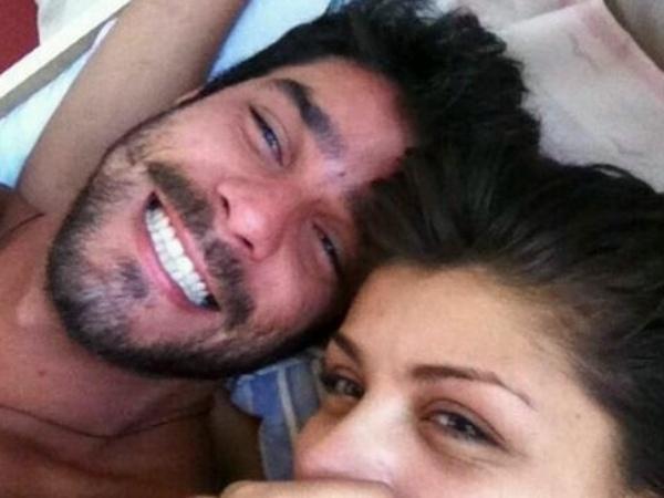 19.mar.2014 - Em outro post, Diego aparece sorridente com Franciele. Na legenda, o carioca colocou o símbolo de um coração. Pelo visto, a noite do casal FranGo foi boa, né?