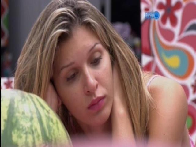 19.mar.2014 - Tatiele diz que vetará Valter e fica em dúvida entre Angela e Clara, caso precise de segunda opção