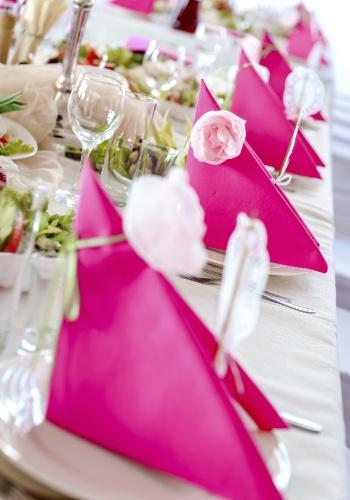 Invista na variedade de tons do rosa, a cor mais pedida para a ocasião